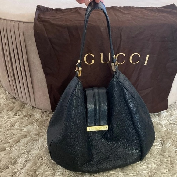 Gucci Handbags - GUCCI BLACK HOBO BAG (LARGE)